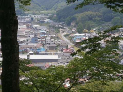 茂木城跡本丸から駅