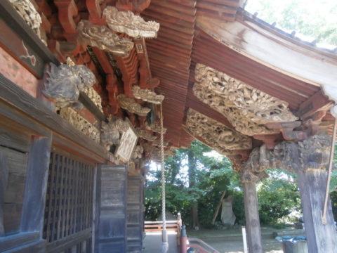 観音寺本堂軒下