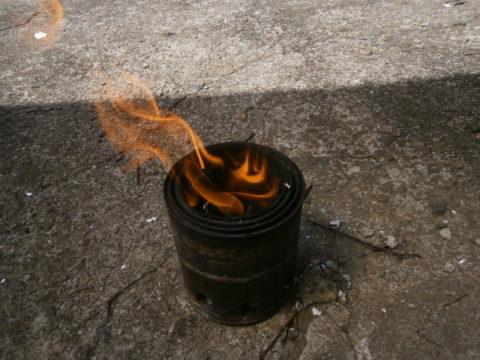 ウッドバーニングストーブたき火