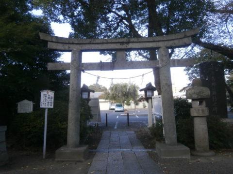 須賀神社小山