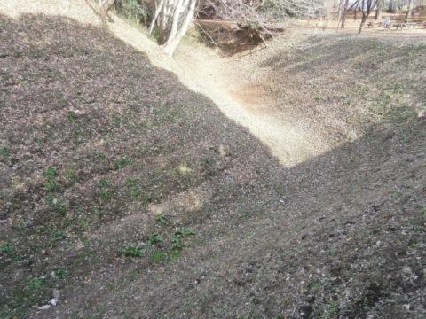 勝山城本郭と二郭の間の遺構
