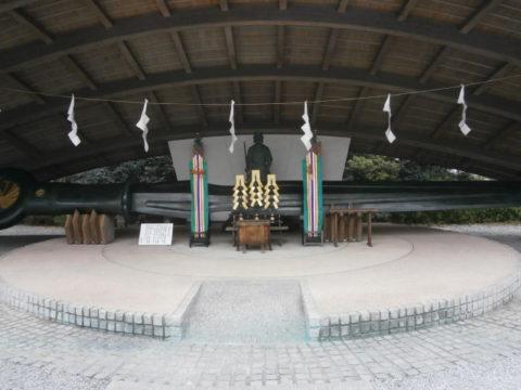 上三川町白鷺神社平和の剣