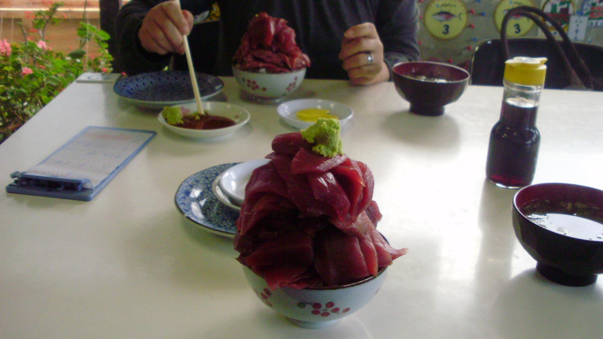 鶴亀食堂マグロ丼