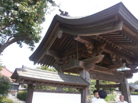 明林寺門側面