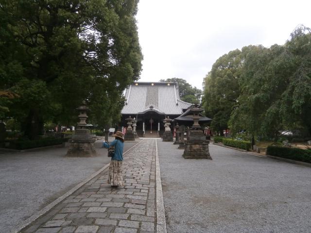 鑁阿寺本堂と境内