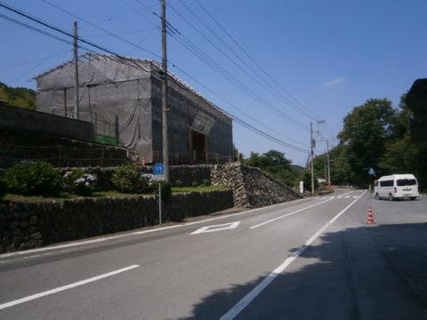 高山社跡世界遺産修復中の門