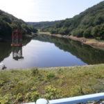 ダム湖堰堤から全景