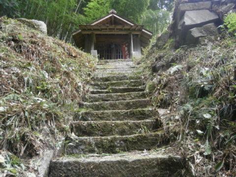 仏の山峠地蔵尊堂