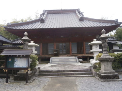 鶏足寺本堂
