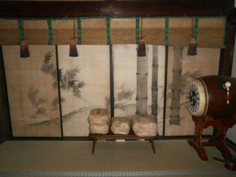 妙伝寺左側の襖裏側