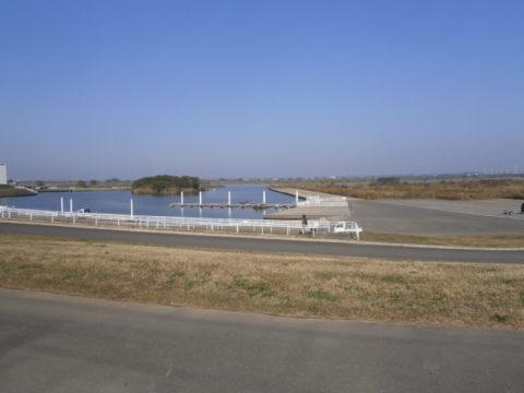 道の駅水の郷さわらから利根川河川敷