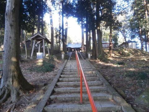 鹿沼市生子神社階段の参道