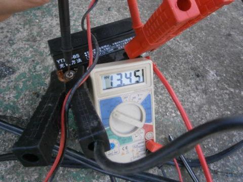 2017-2dioサブと並列接続バッテリー電圧